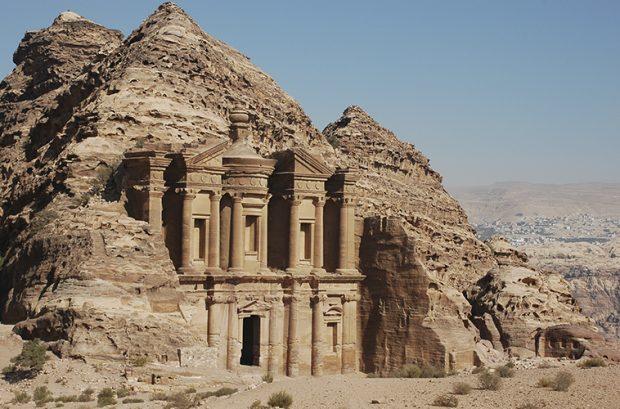 https://www.leona-tour.com/wp-content/uploads/2017/08/Iordania-620x409.jpg